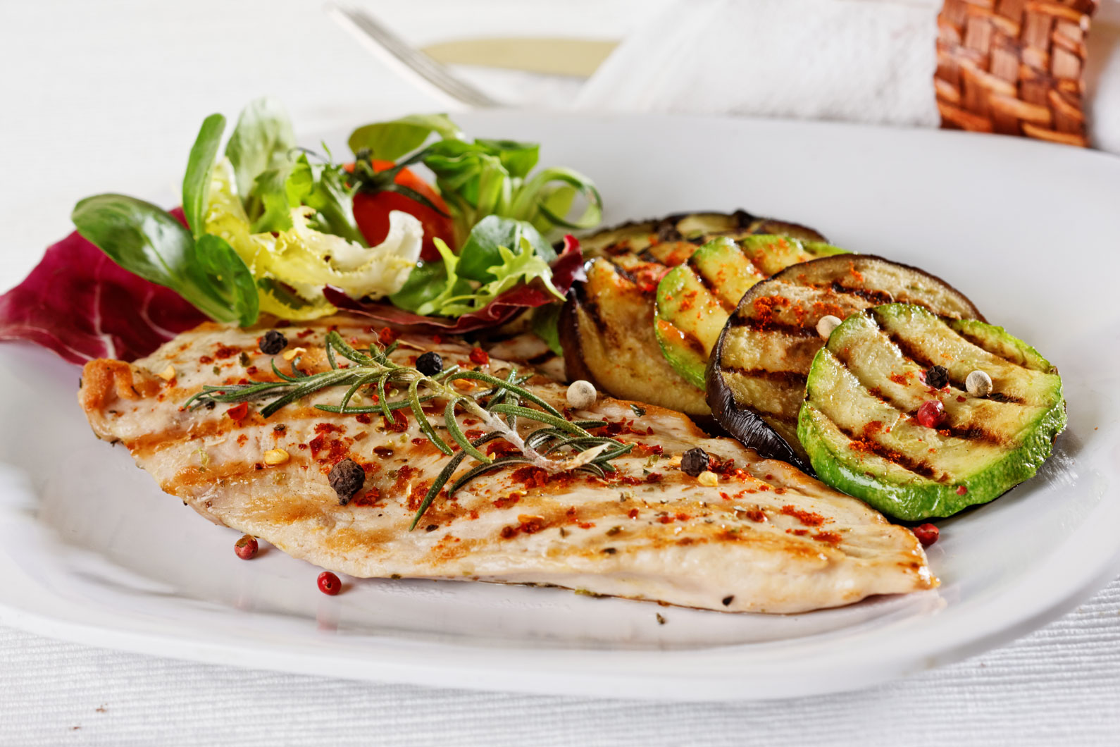 Grilled vegetables and chicken fillet